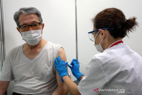 Dua warga Jepang meninggal usai terima dosis Moderna yang ditangguhkan
