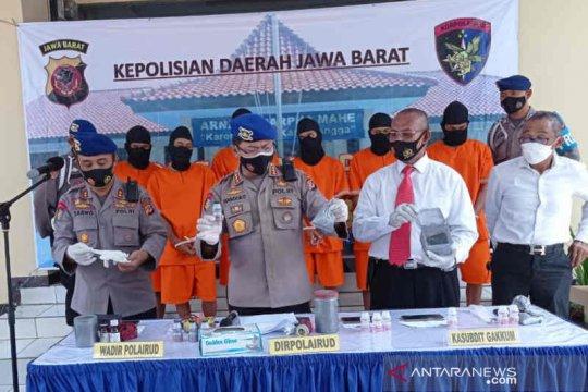 Ditpolairud Polda Jabar tangkap enam nelayan gunakan bahan peledak