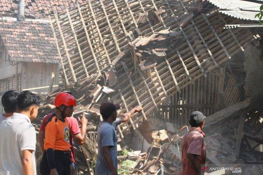 Gempa Blitar berdampak pada 16 kecamatan di Kabupaten Malang