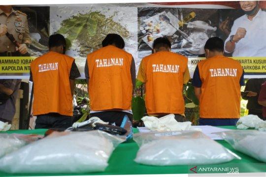 Polda NTB tangkap penyelundup setengah kilogram sabu dari Batam
