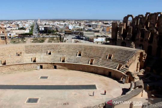 Tunisia memvaksin lebih dari setengah juta orang per hari
