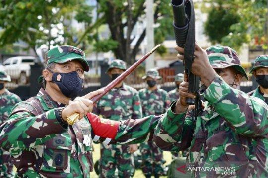Pangdam Kasuari periksa kesiapan prajurit di daerah rawan Papua Barat