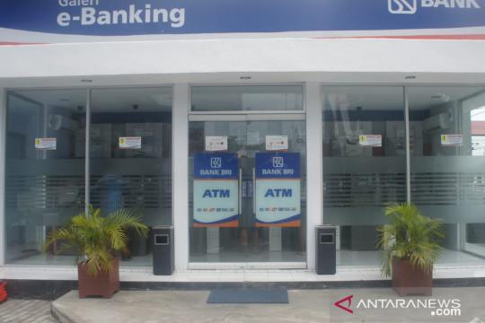 Pemberlakuan tarif penarikan tunai ATM Link Himbara dinilai membebani