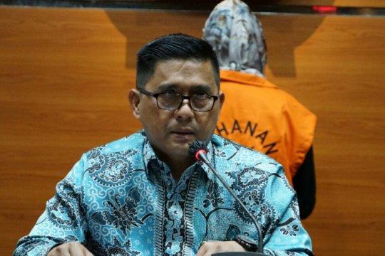 KPK menahan mantan Direktur Keuangan dan Investasi Asuransi Jasindo