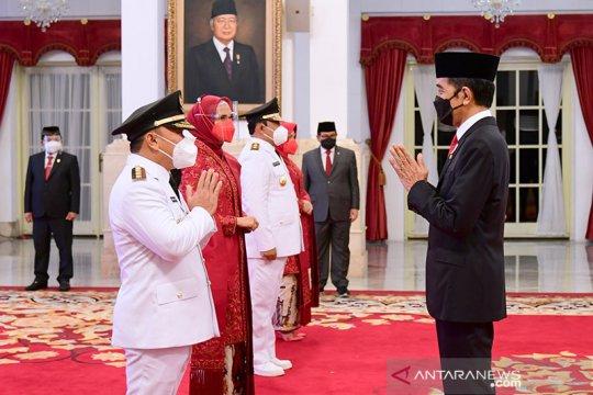 Presiden Jokowi minta Gubernur-Wagub Kalteng terus kendalikan COVID-19