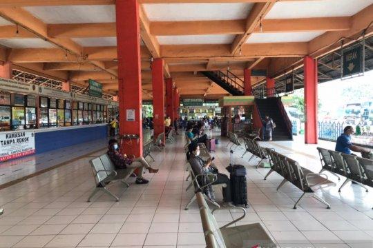 Terminal Bus Kampung Rambutan masih sepi penumpang