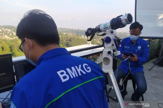 BMKG Bandung amati gerhana bulan di kawasan wisata Lembang