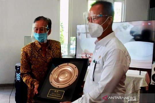 """Menperin akui baru tahu """"speaker"""" mobil mewah disuplai dari Surabaya"""