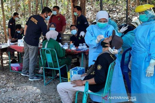 Dinkes Gunung Kidul melakukan screening COVID-19 pada pelaku wisata