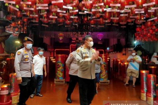 Ibadah Waisak di Jaksel dihadiri 25 orang dan lainnya virtual