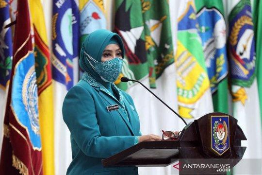 Lantik Ketua TP-PKK Kalteng, Tri Tito Karnavian imbau susun proker