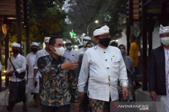 """Umat Hindu Bali gelar """"Piodalan"""" di Pura Mandara Giri Lumajang 24 Juni"""