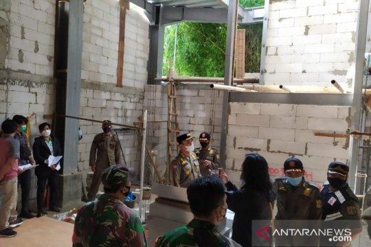 Satpol PP Jaksel tertibkan gedung langgar IMB di Cilandak
