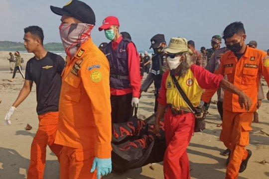Basarnas Banten akhirnya temukan pelajar terseret ombak