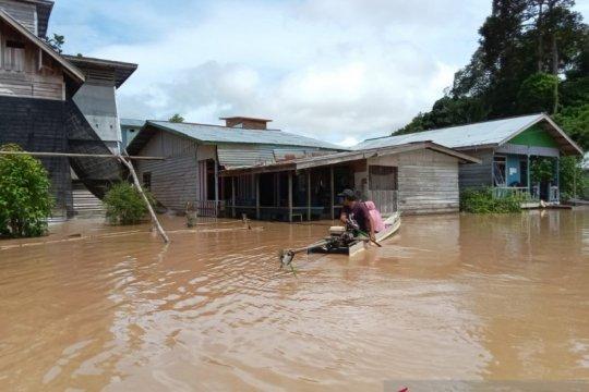 Warga korban banjir di Sembakung menolak dievakuasi