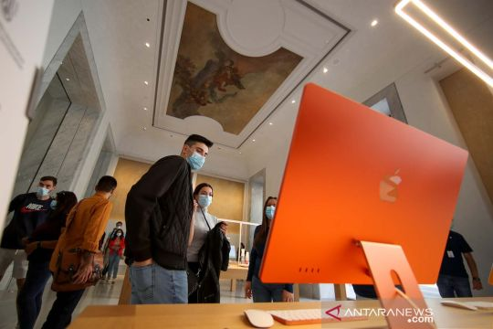 Pembukaan Apple Store utama terbaru di Roma