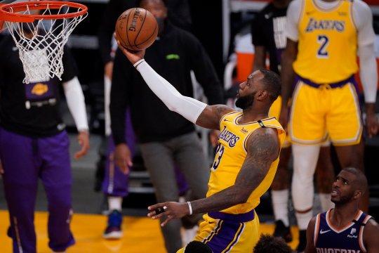 Lakers rebut gim ketiga playoff NBA