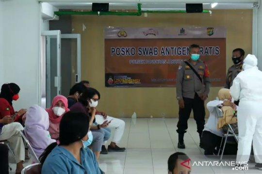 Polsek Pancoran tes antigen penghuni apartemen di Kalibata