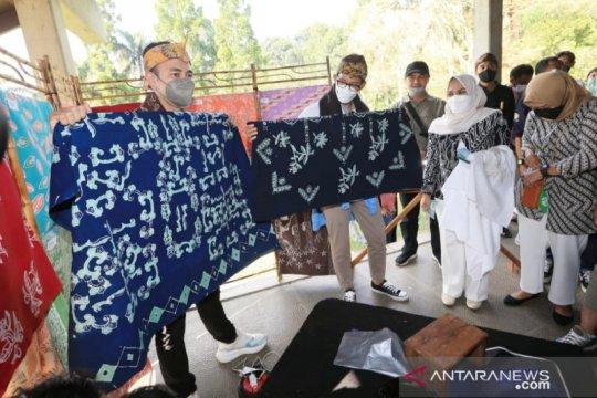 Sandiaga-Raffi sosialisasi Anugerah Desa Wisata di Puncak Bogor