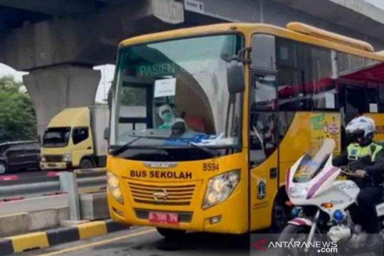 Empat warga Cirebon di Bekasi dikirim ke Wisma Atlet