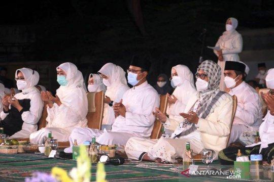 Ulama dan umara Jawa Timur berdoa bersama untuk keselamatan Palestina