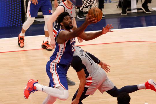 Joel Embiid tampil dominan saat 76ers unggul 3-0 atas Wizards