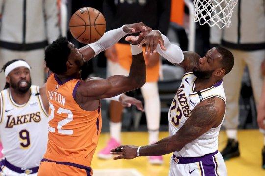 Suns samakan kedudukan 2-2 lawan Lakers setelah rampas Gim 4
