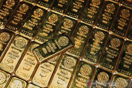 Powell tenangkan kekhawatiran suku bunga naik, emas terkerek 6 dolar