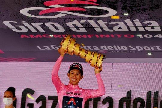 Egan Bernal juarai Giro d'Italia