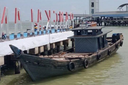 Tim gabungan TNI AL tangkap kapal pengangkut 13 ton BBM ilegal