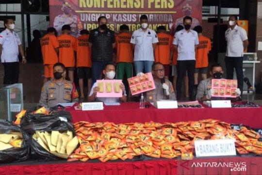 Polisi sita 185 kilogram tembakau sintetis
