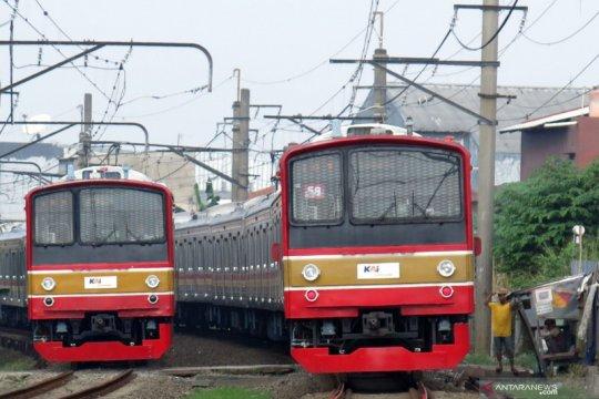 Jumlah penumpang KRL turun pada hari kedua PPKM
