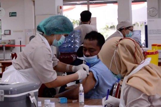 2.000 karyawan industri di Kota Tangerang terima vaksin gotong royong