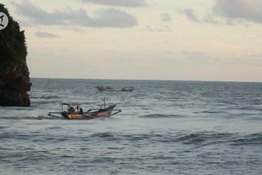 BPBD Jember waspadai gelombang tinggi di laut selatan Jawa