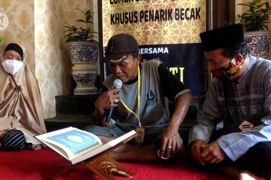 Lomba baca Al Quran untuk para pengemudi becak