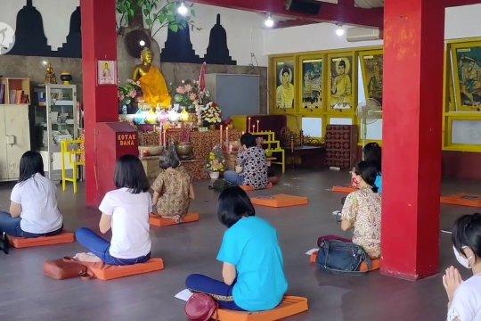 Perayaan Waisak di Cirebon berlangsung khidmat