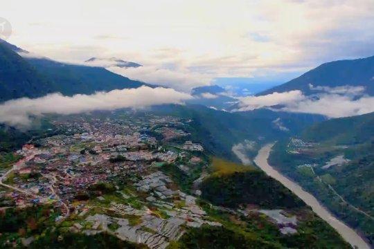 Jalan raya lewati ngarai terdalam dunia rampung dibangun di Tibet