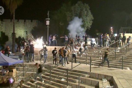 Bentrokan pada malam lailatul qadar di Masjid Al Aqsa