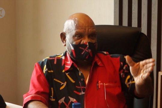 Wagub Papua Klemen Tinal tutup usia