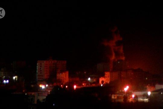 Gegap-gempita serangan roket Israel melintasi langit Gaza