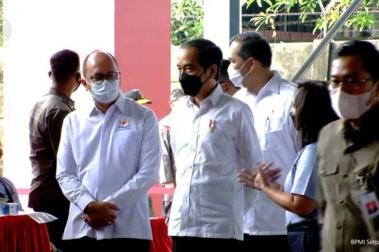 Jokowi harapkan vaksinasi gotong royong kembalikan produktivitas pekerja