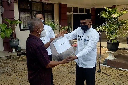 Pemkot Tangerang bagikan benih lele ke warga Ciledug