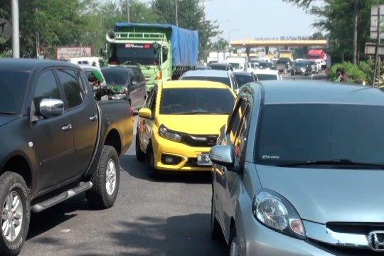 Pemkot Bandung evaluasi penyekatan kendaraan berdampak kepadatan
