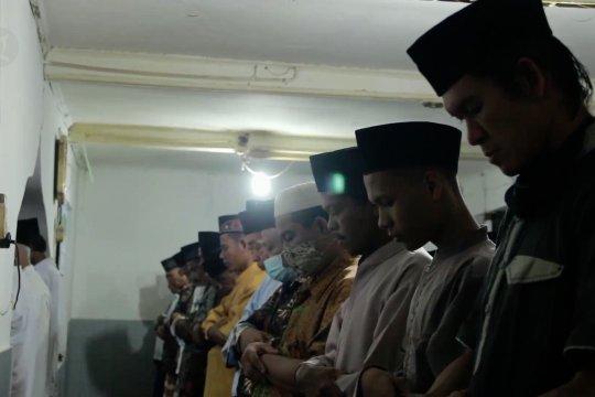 Tarekat Naqsyabandiyah di Padang gelar shalat Id hari ini