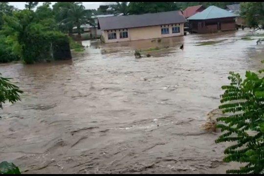 Gubernur Sumbar usulkan penanganan nyata banjir di Tapan