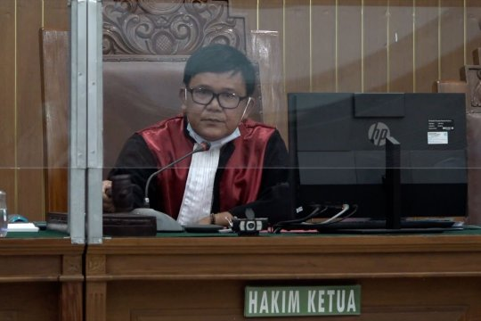 Hakim tolak gugatan praperadilan RJ Lino