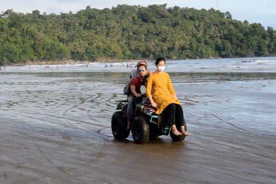 Mewujudkan Pantai Aie Manih Padang menjadi destinasi wisata yang nyaman