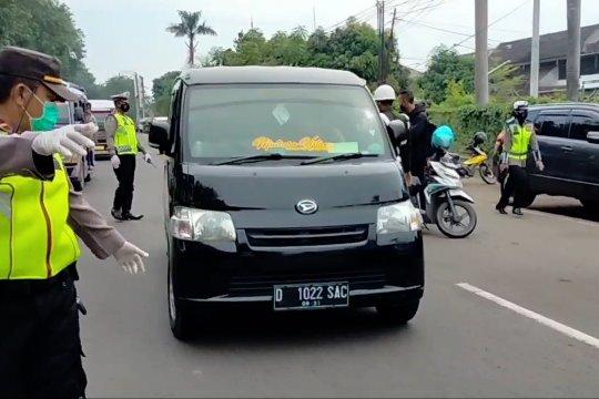Tim Gabungan perketat pengawasan pemudik yang lintasi Cirebon