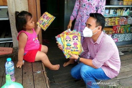 Gerakan Sembako Buku berbagi buku pada peringatan Hari Lahir Pancasila