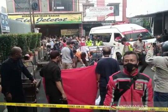 Pemuda Bandung tewas diduga bunuh diri lompat dari gedung perbelanjaan